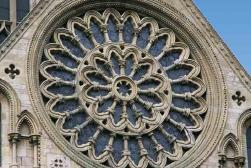 Langton court luxury self catering holiday let york for Rose window york minster